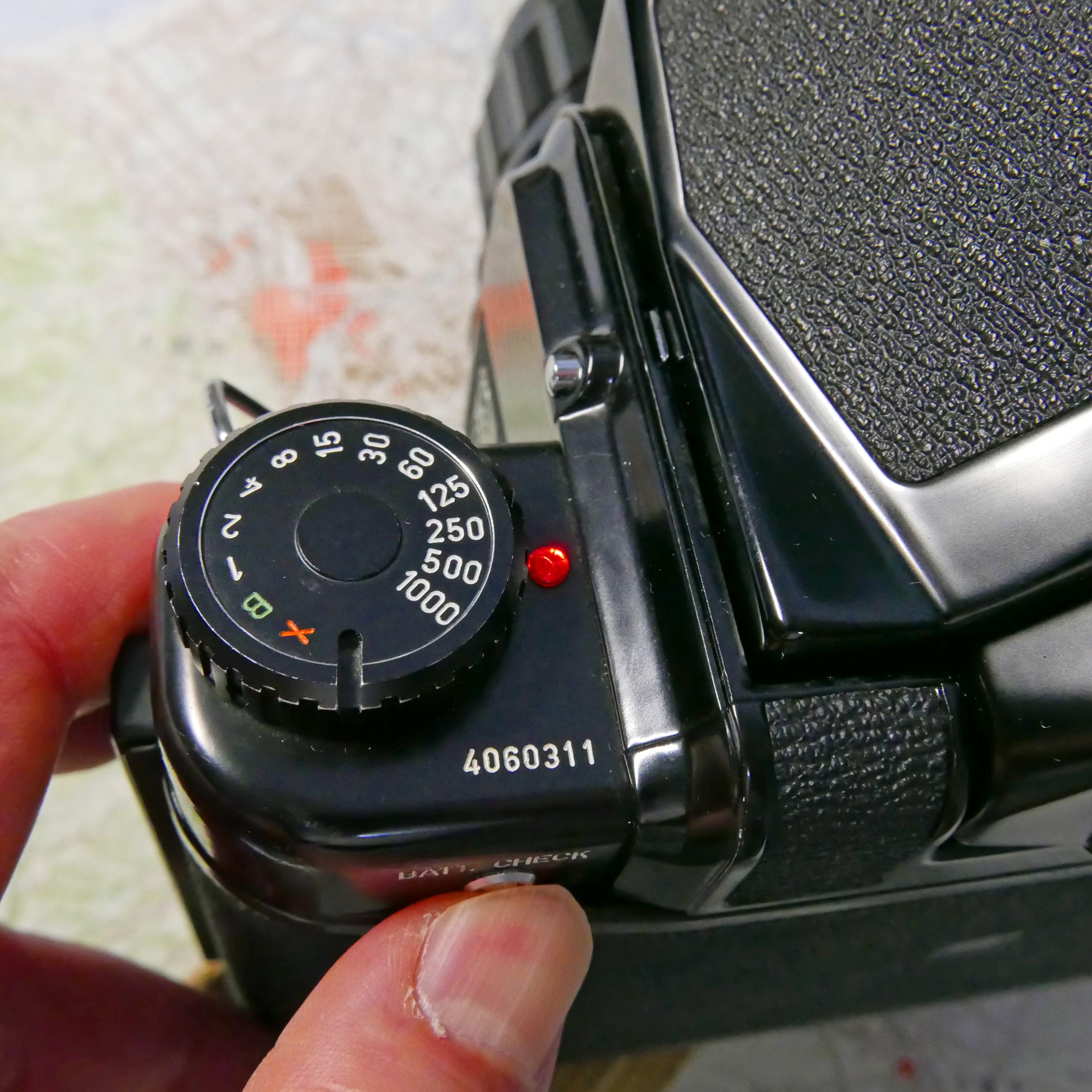 ペンタックス67 電池